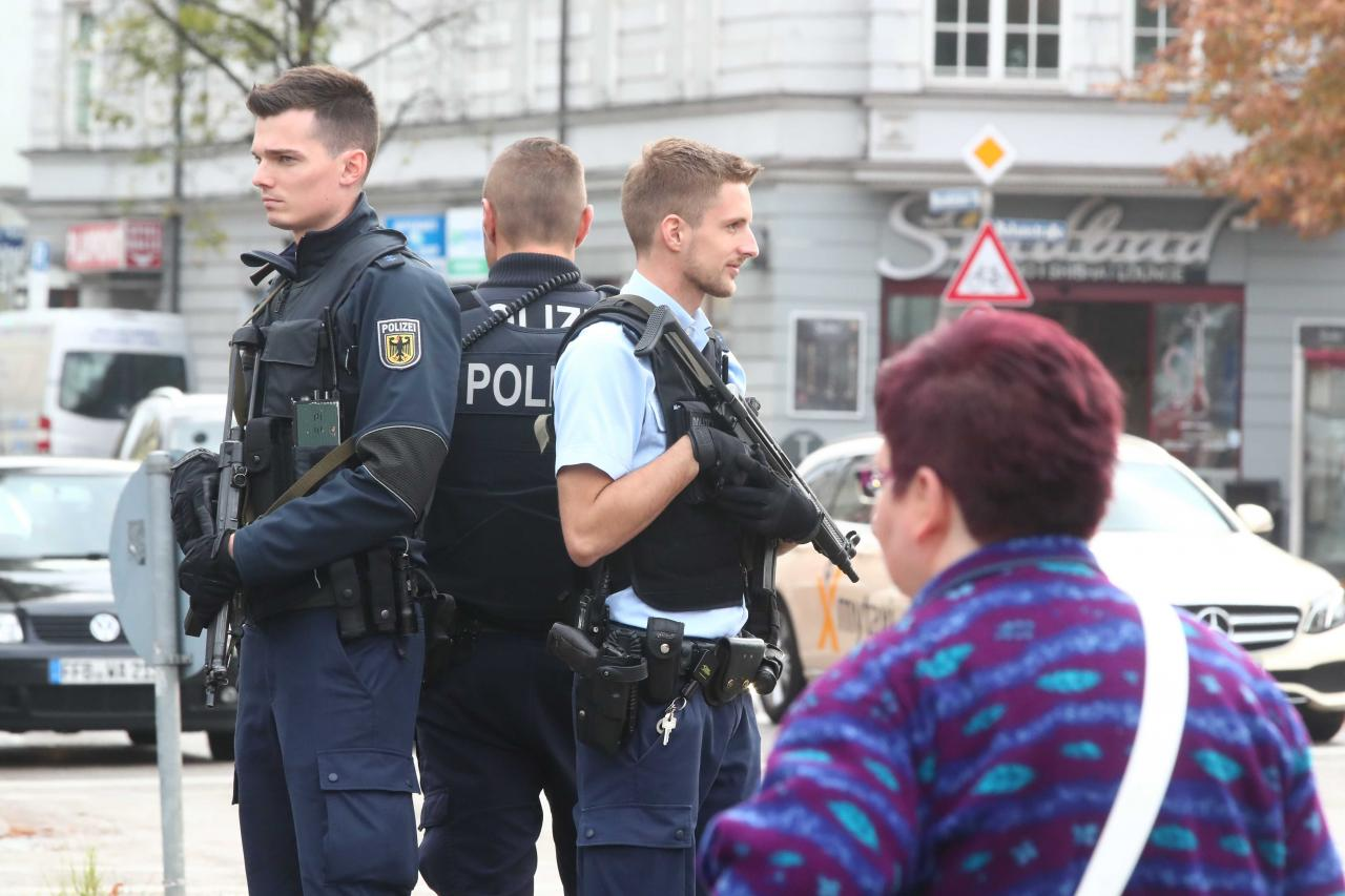 Police rule out political or religious motive behind Munich knife attack