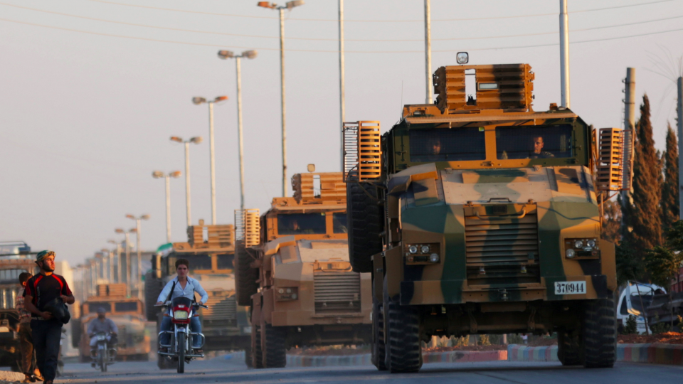 Syria crisis : Turkey deploys military equipment in Idlib
