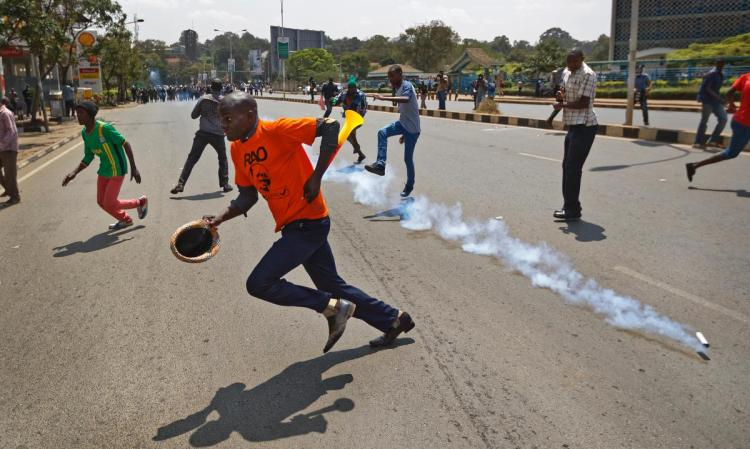 Kenyan police teargas protesters two days to election
