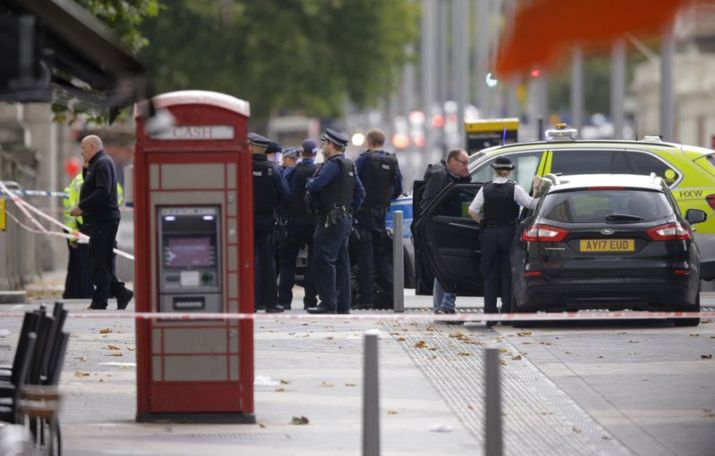 Eleven pedestrians injured in London car accident