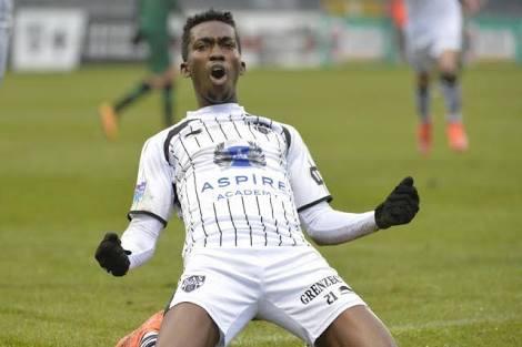 Enyimba set to complete signing of Austine Oladapo