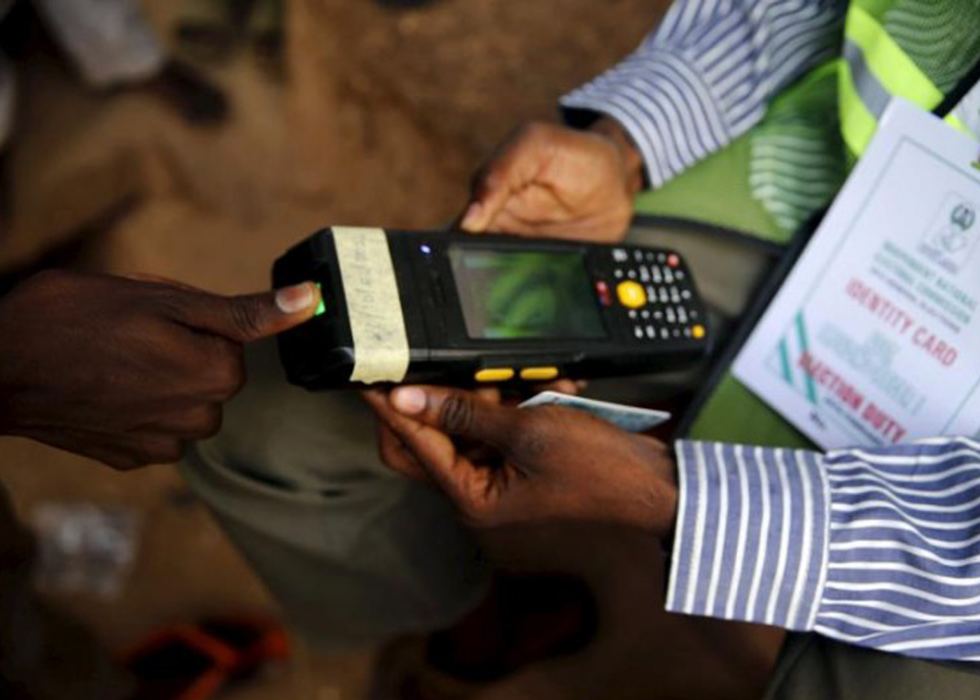 #AnambraVotes: Card readers fail in many polling units