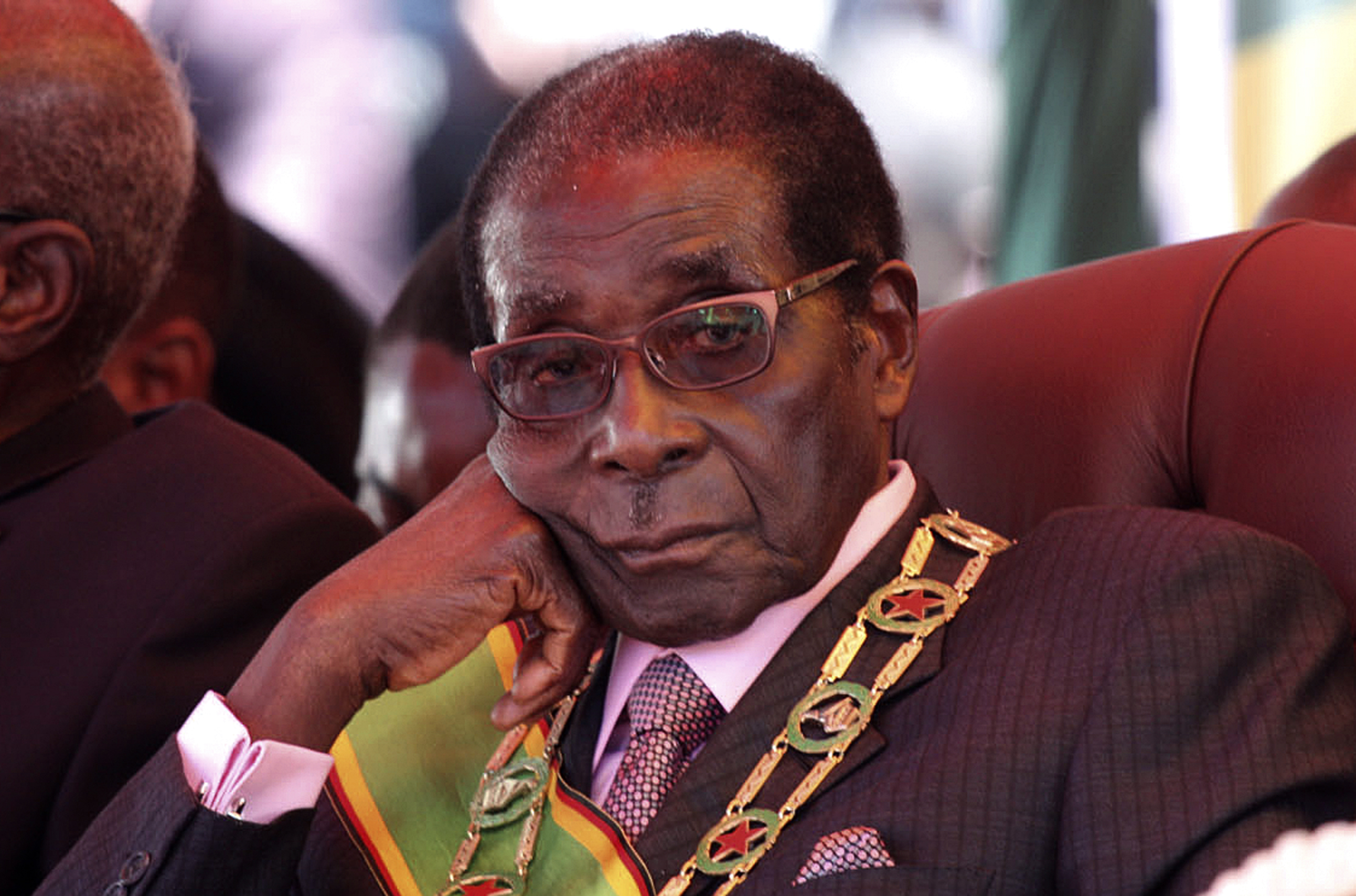 African Union welcomes Mugabe's resignation