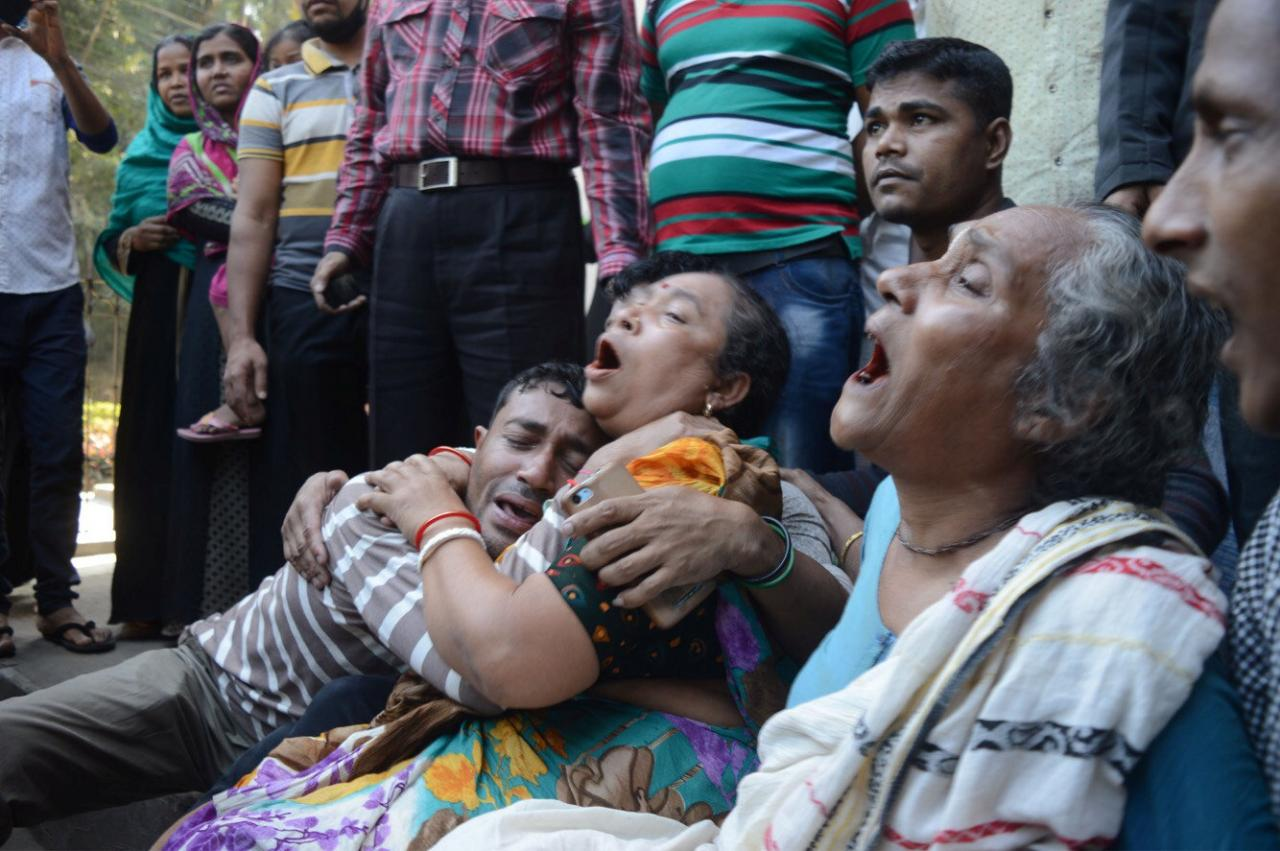 Rush for  free food kills ten at prayer meeting in Bangladesh