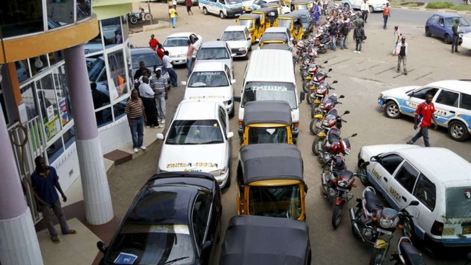 Osun motorists groan as fuel scarcity bites harder