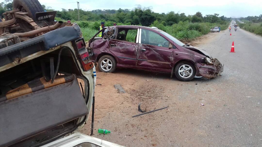 At least 20 killed in auto crash along Kaduna-Abuja Expresseway