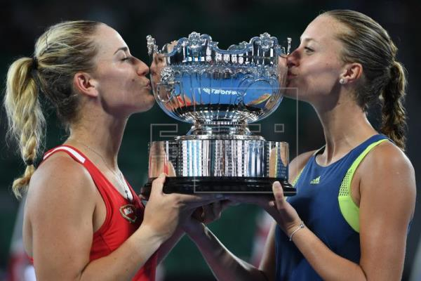 Babos, Mladenovic claim women's doubles title