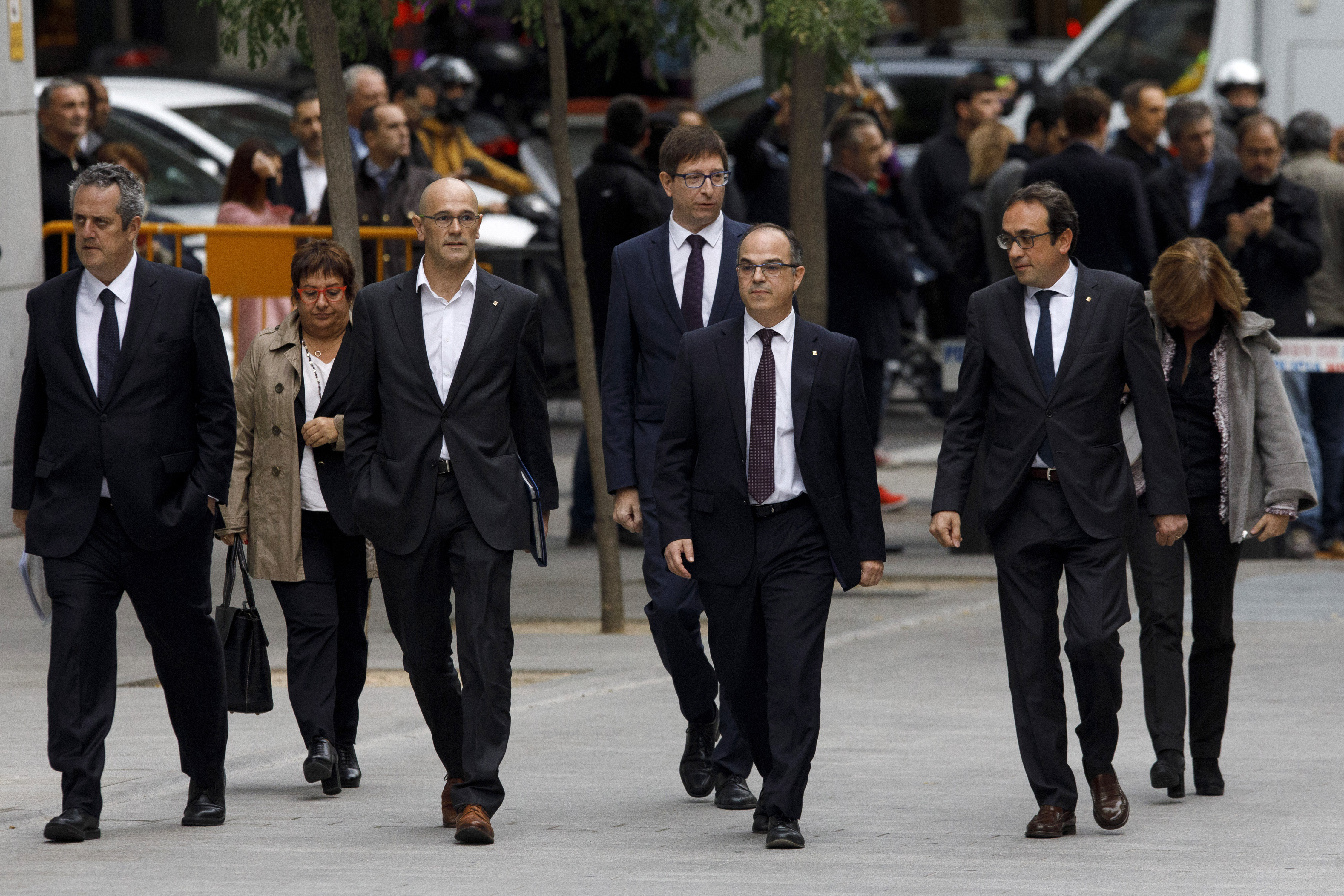 Catalan leaders request release from prison