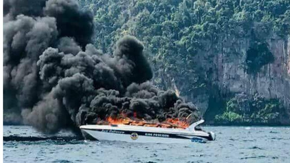 Five Chinese tourists severely injured as  Speedboat explodes in Thailand