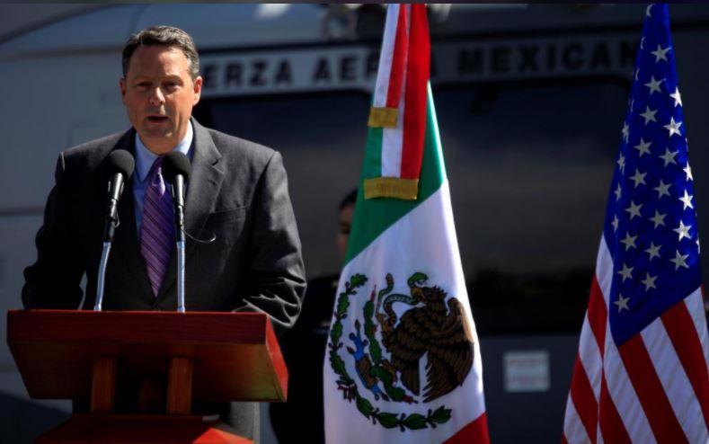 U.S. ambassador to Panama resigns, says cannot serve Trump