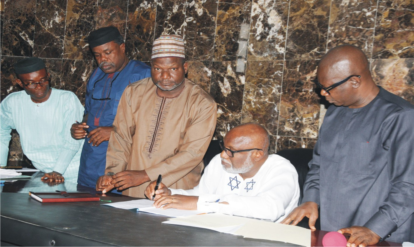 Akeredolu signs N181b budget into law