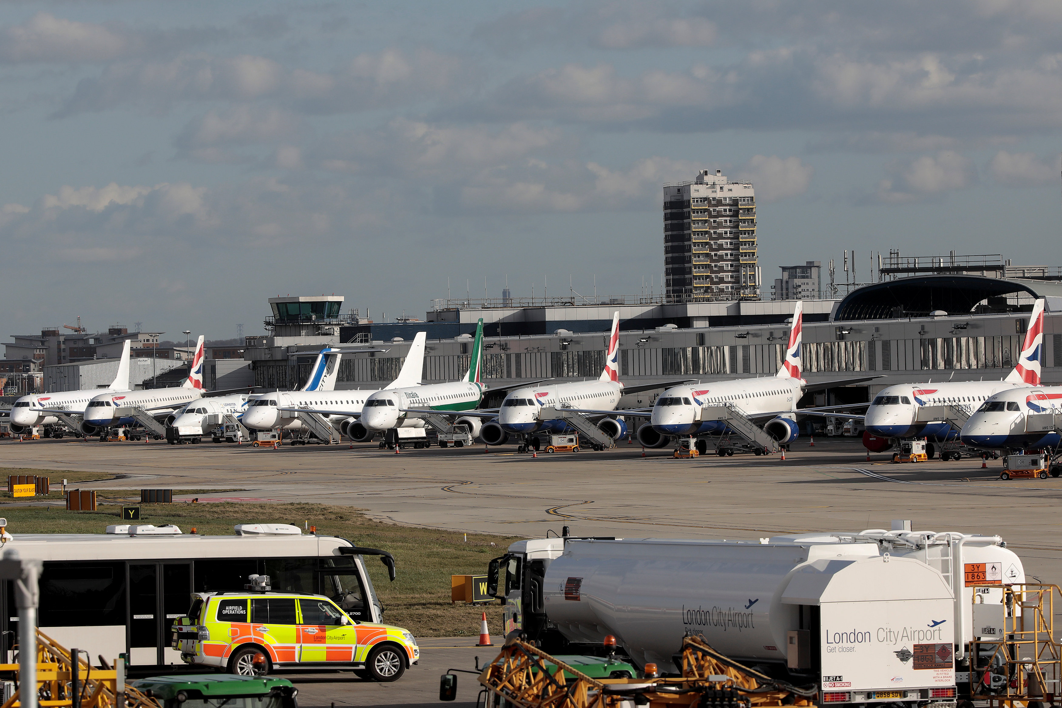 London City's airport shut after WW2 bomb found in Thames