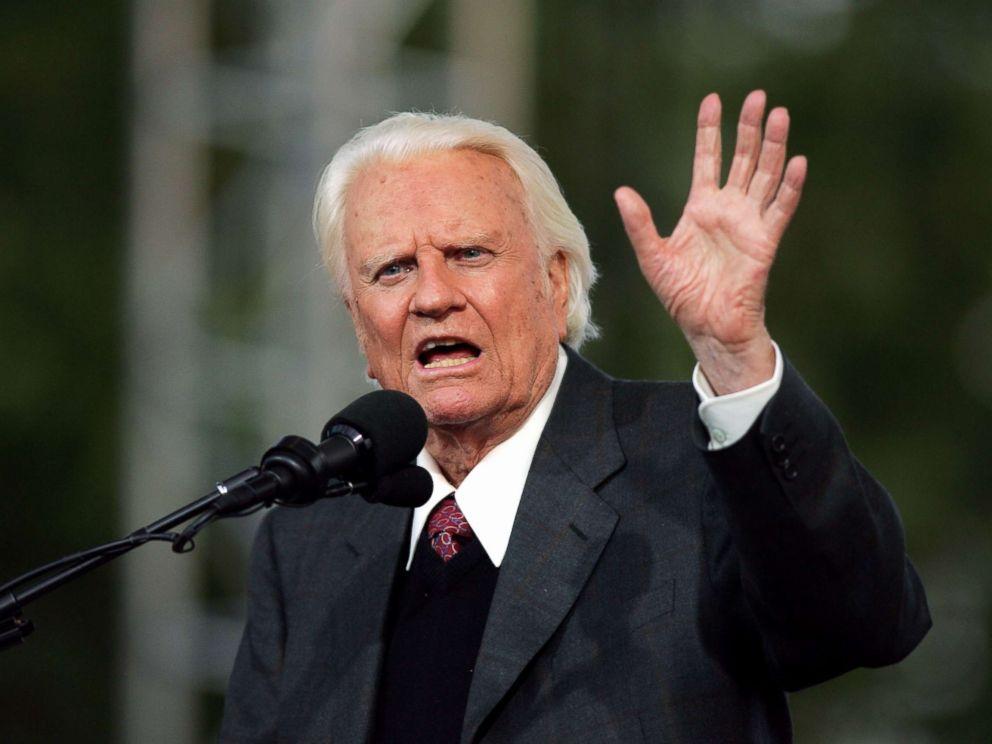 Billy Graham passes away at 99