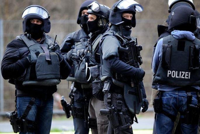 South African Police Arrest Zuma Associates Amid Influence-Peddling Probe
