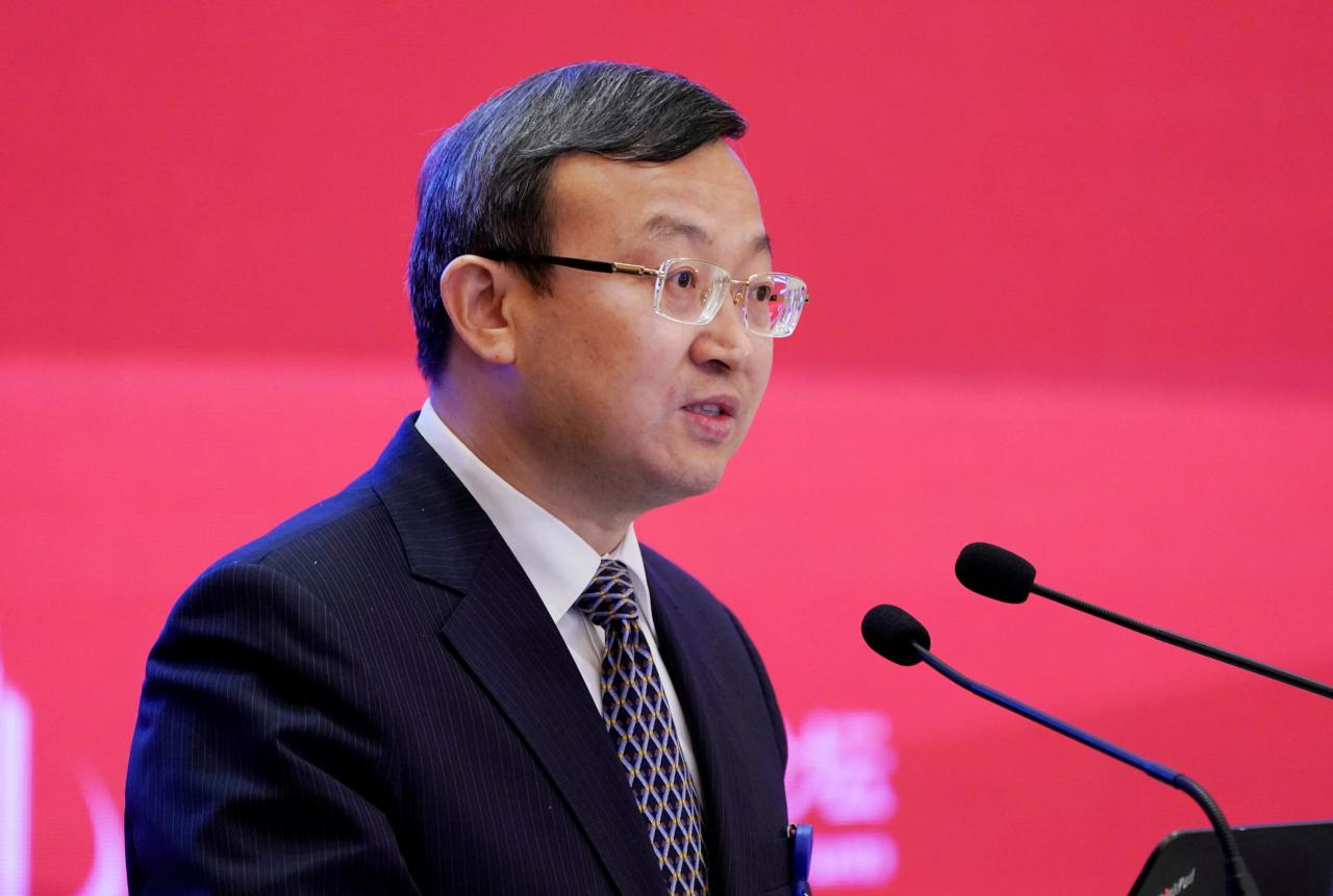 China weighs ending some restrictions on foreign stakes – vice commerce minister
