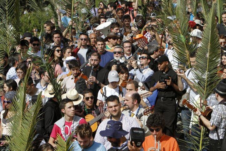 Palm Sunday procession held in Jerusalem