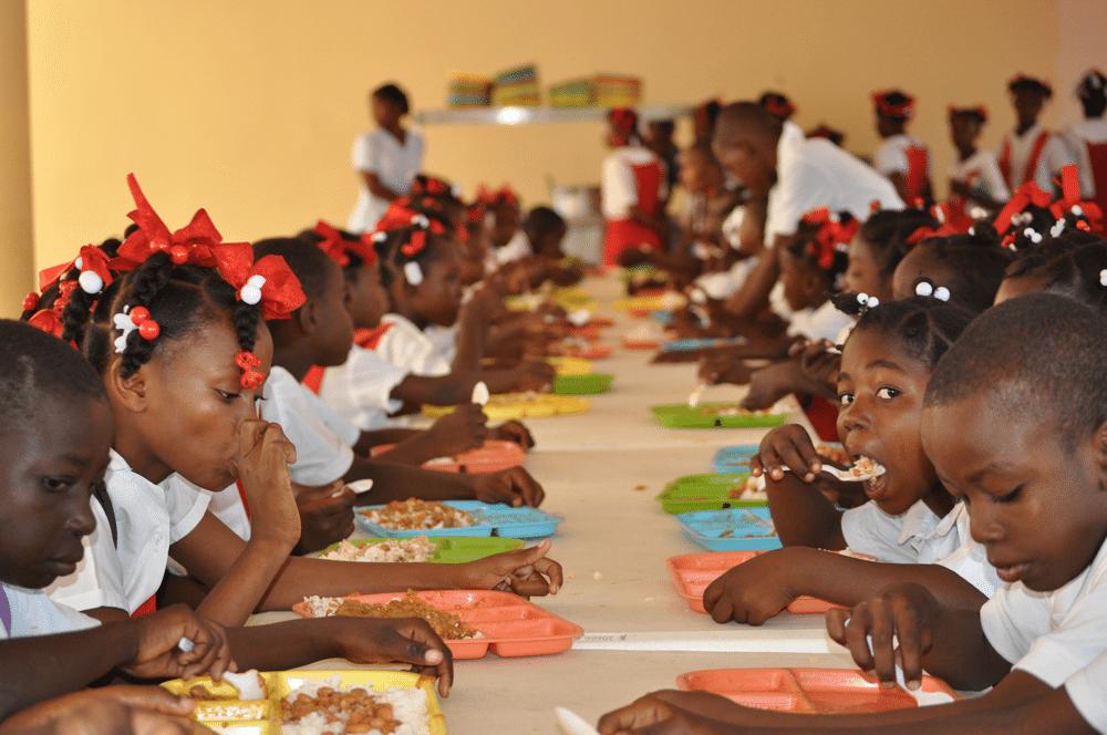 Osinbajo lauds home grown school feeding programme