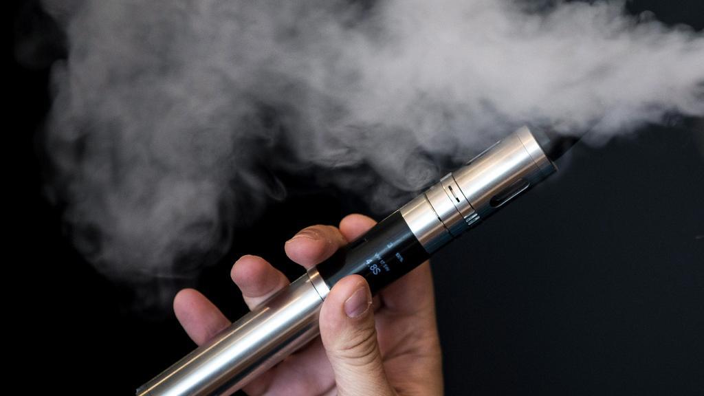 E-Cigarettes smokers at risk of pneumonia – Research