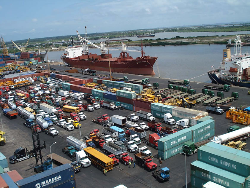 Port users blame shipping companies, inefficient scanners for congestion