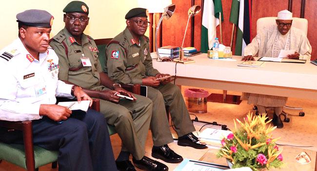 Buhari cancels FEC meeting, meets with Service chiefs