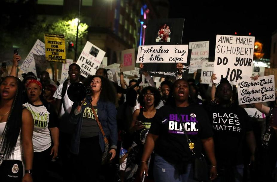 Stephon Clark: Protesters demand arrest of officers