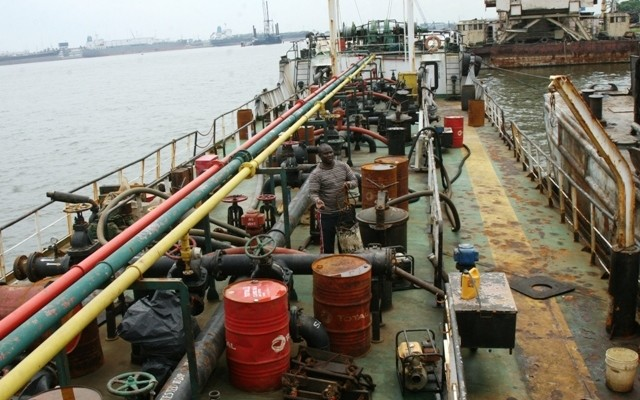 Navy hands over oil thieves to EFCC in Rivers state