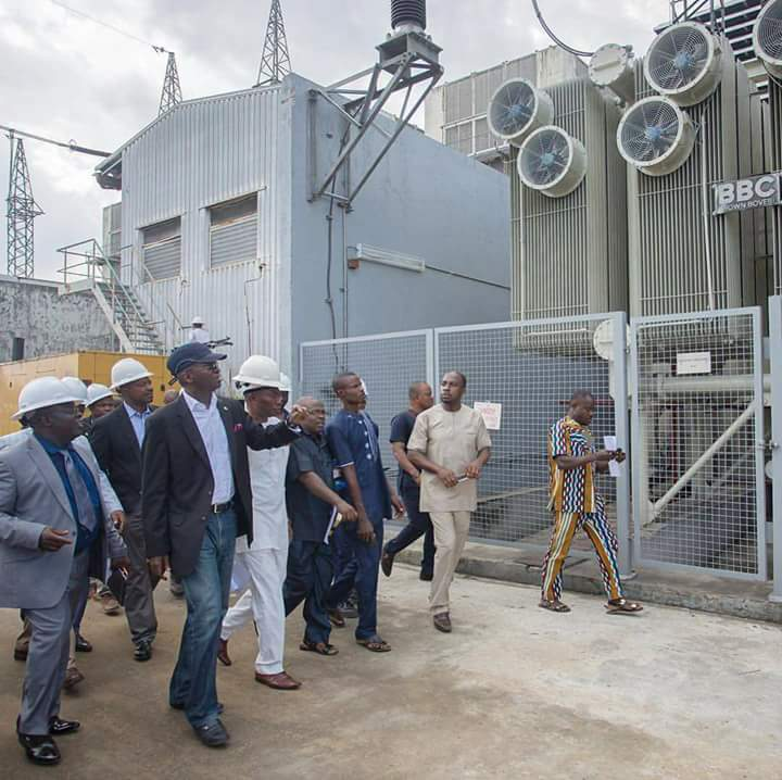 Buhari asks electricity DISCOs to be alive to responsibilities