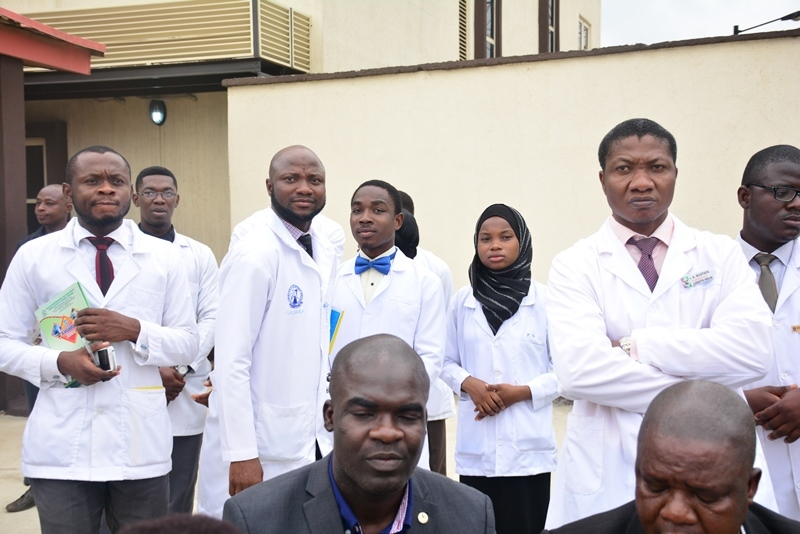 Medical students, Ikoyi LCDA reach out to people