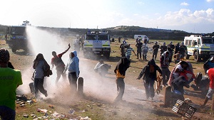 Soweto residents protest land grabbing bid, clash with police