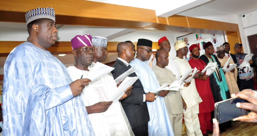 Oyegun charges new APC State Chairmen on Buhari's re-election