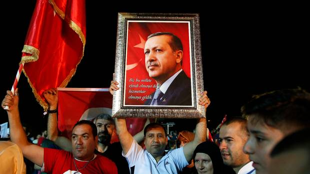 Turkey's Erdogan emerges victorious from elections, wins new powers