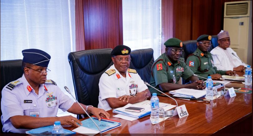 Buhari meets security and intelligence chiefs