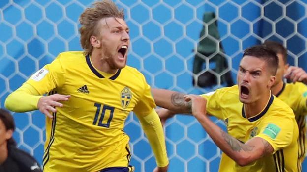Forsberg strike sends Sweden into last eight