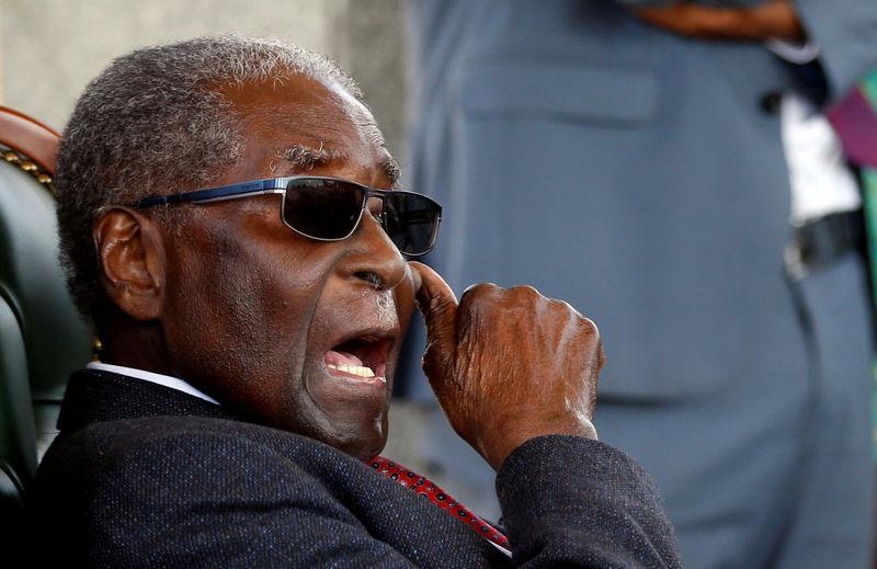 Mugabe backs opposition in first Zimbabwe's election without him
