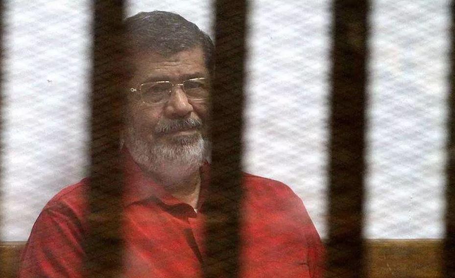 Egypt adjourns Morsi's trial