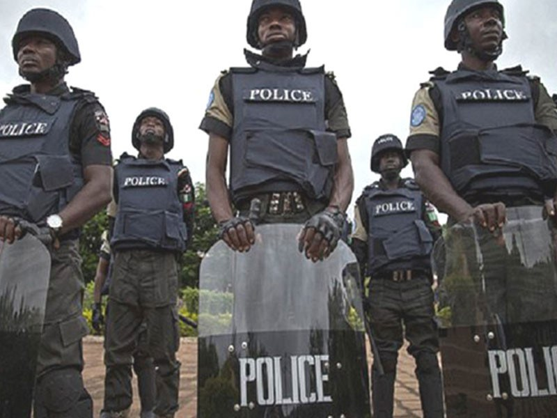 Mobile policemen protest non payment of allowances in Maiduguri