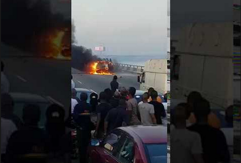 Car catches fire on Third Mainland bridge