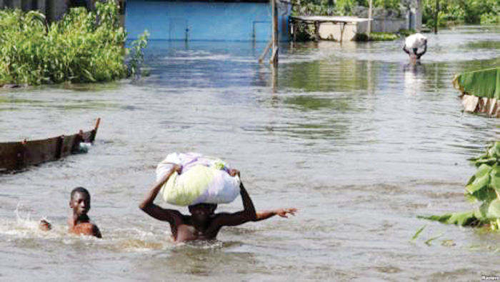 Floods kill two persons, houses submerged in Dambatta