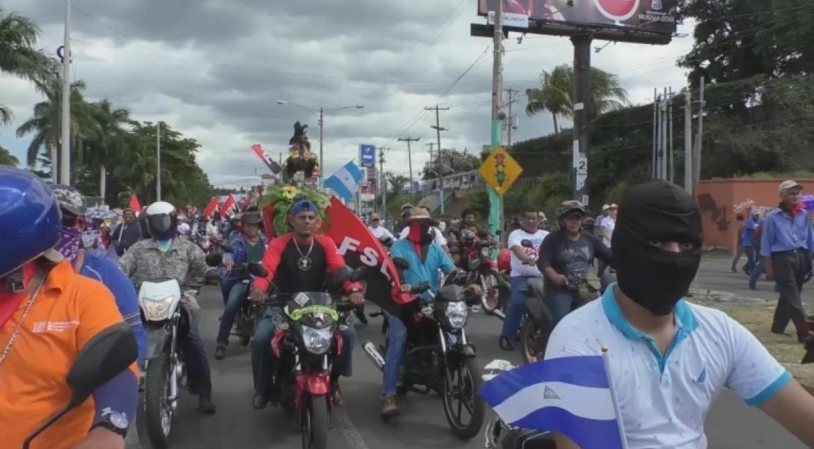 Pro, anti govt demonstrators take to Nicaraguan streets