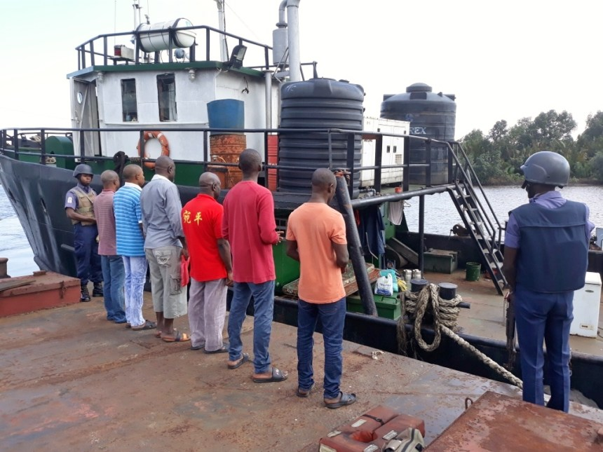 Navy hands six Oil theft suspects over to EFCC