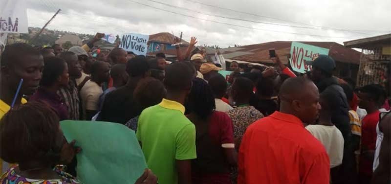 Okitipupa artisans protest power outage, vow to discontinue paying taxes