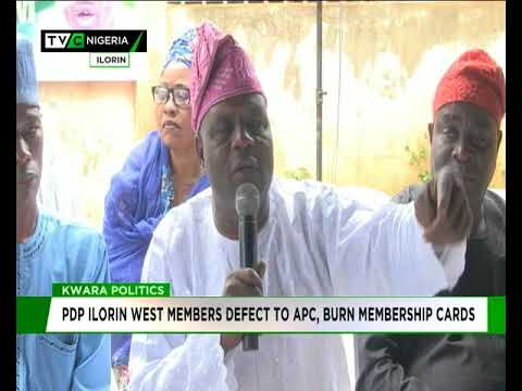 PDP Ilorin West members defect to APC, burn membership cards