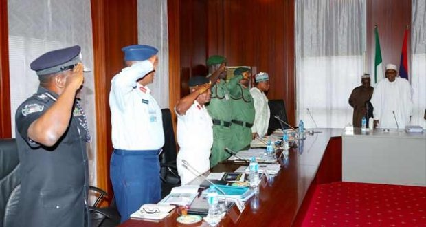 Buhari holds 3 hours Security meeting with Service Chiefs
