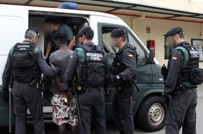 Spain defends hard line on North African border immigration