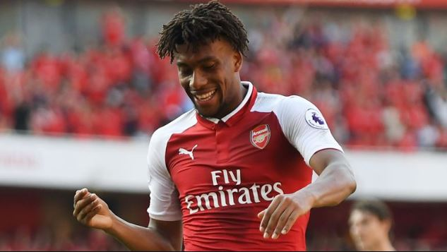 Super Eagles forward, Alex Iwobi signs extended contract with Arsenal