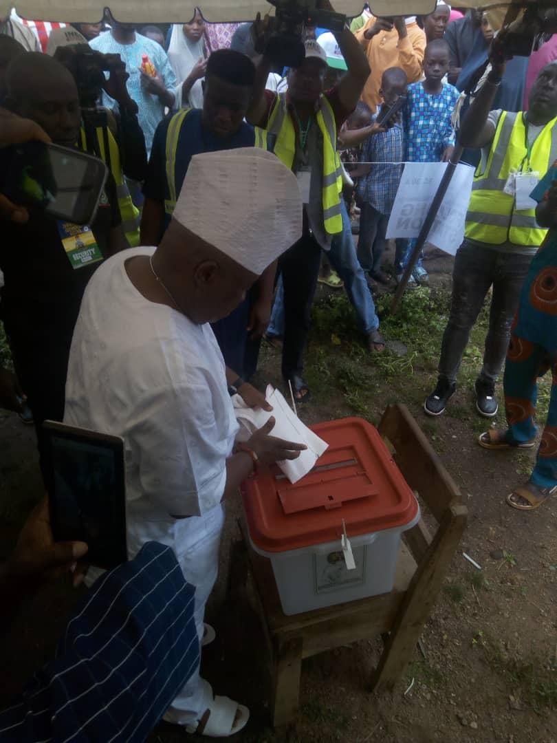 #OsunVotes: PDP candidate, Ademola Adeleke casts his ballot