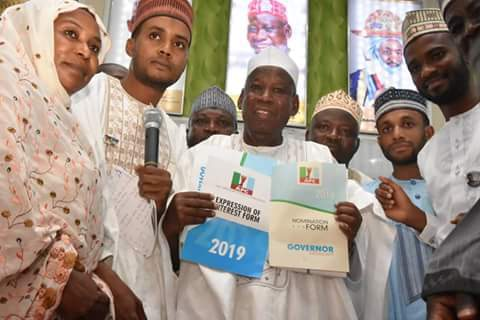 Kano groups purchase nomination form for Ganduje