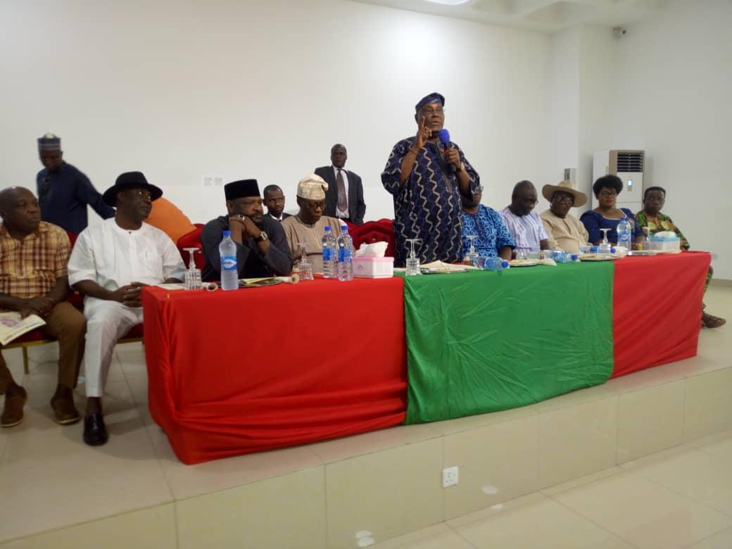 Atiku visits Ekiti, meets Fayose, PDP delegates