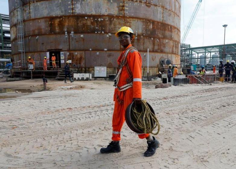 Nigeria oil unions threaten nationwide strike over Chevron dispute