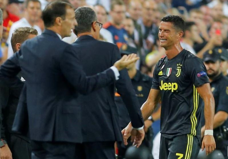 Champions League: Juve whips Valencia two-nil despite a Ronaldo red-card